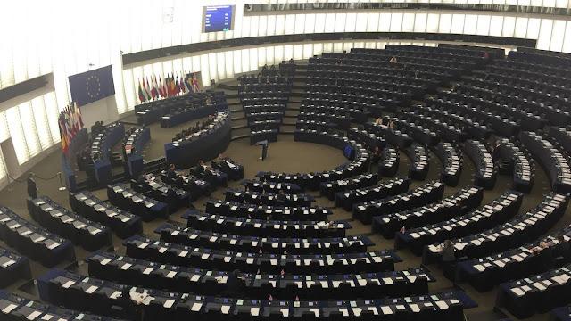 Politico: Οι αναποφάσιστοι θα καθορίσουν την έκβαση των ευρωπαϊκών εκλογών