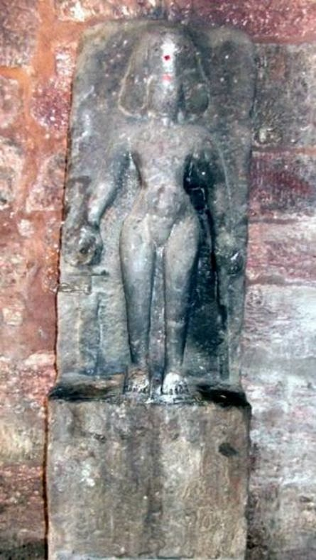 1,300 year old sculpture of Chalukya king discovered in Andhra Pradesh