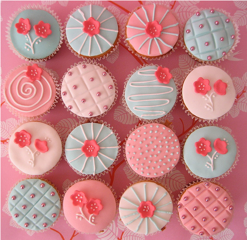 Cupcakes and Cardigans: Funny Cupcakes