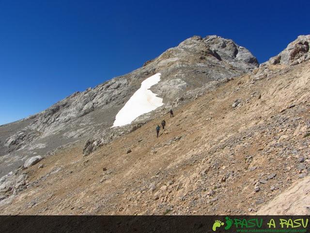 Picos Santa Ana de camino a Tiros Navarro