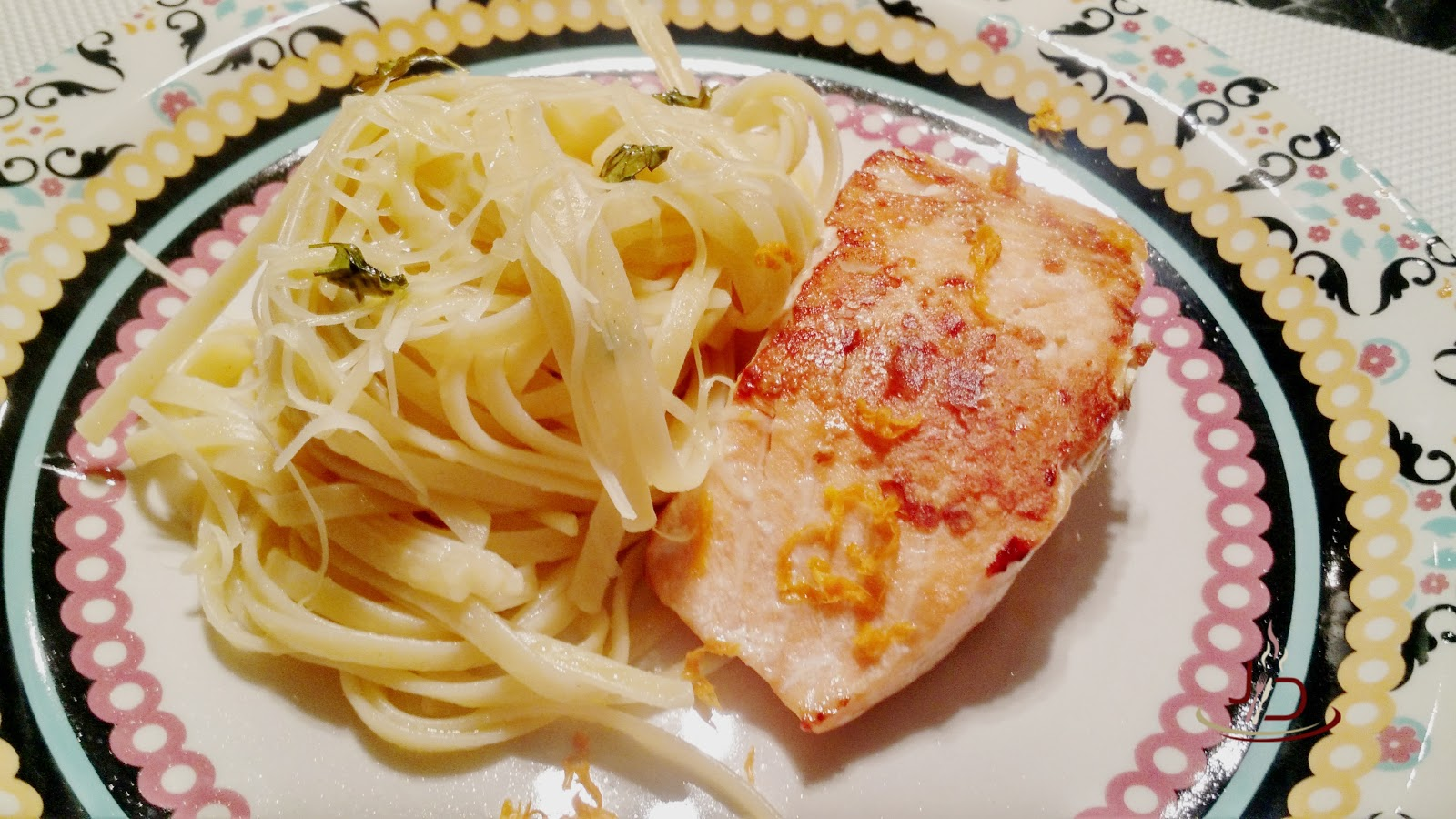foto salmão grelhado