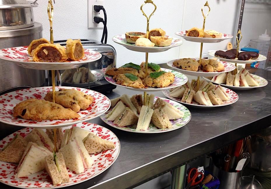 Tea Travellers Societea: TUDOR ROSE ENGLISH TEA ROOM