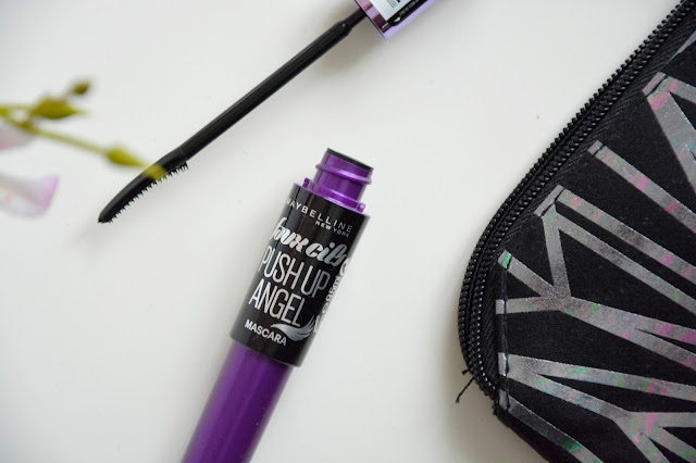 Mascara Push Up Angel de Maybelline
