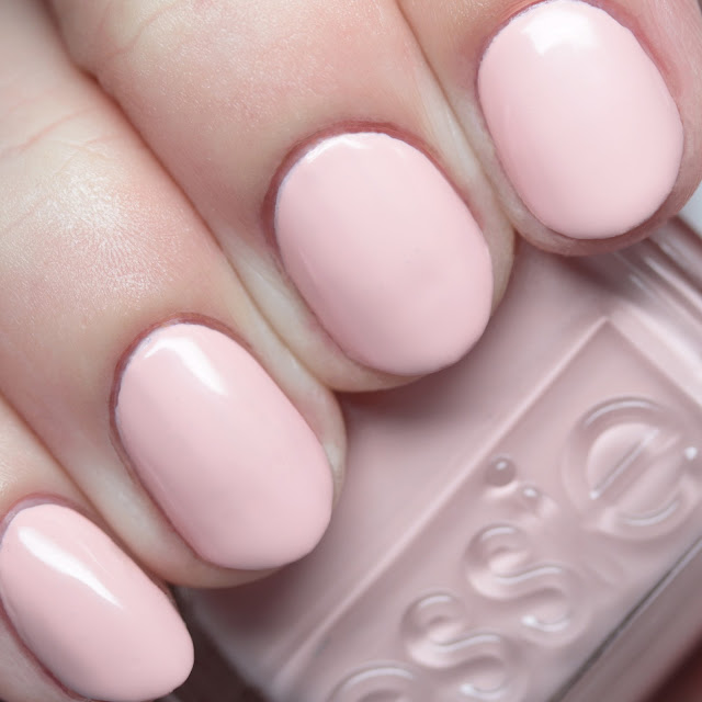 Essie 1549 Stirring Secrets