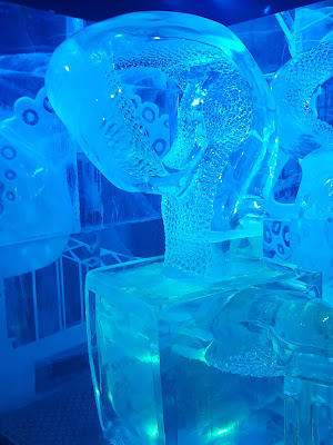 Review: Drinks and Dinner at Icebar London