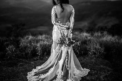 Vestido de novia con cola de corte