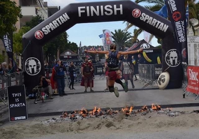 Σπάρτη: Με συμμετοχή αθλητών από ολόκληρο τον κόσμο η πρώτη μέρα του Spartan Race (βίντεο)