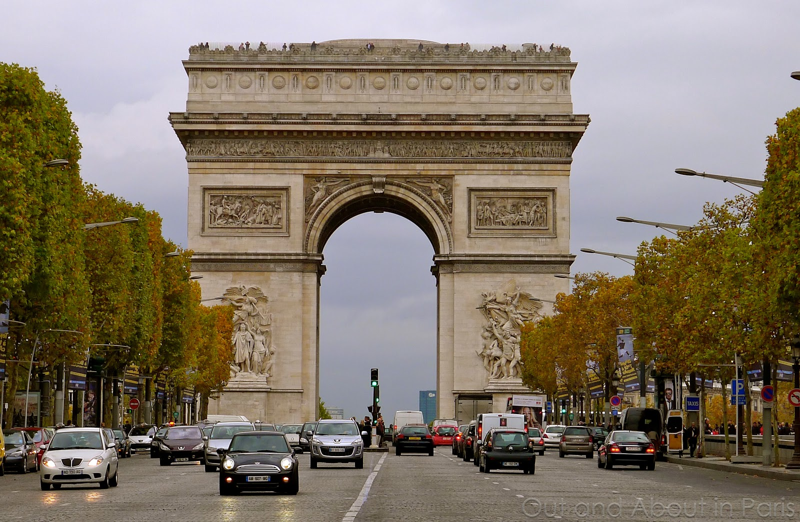 Can the Arc de Triomphe fit inside the Opéra Garnier?