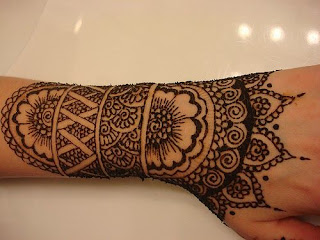 tato henna motif bunga