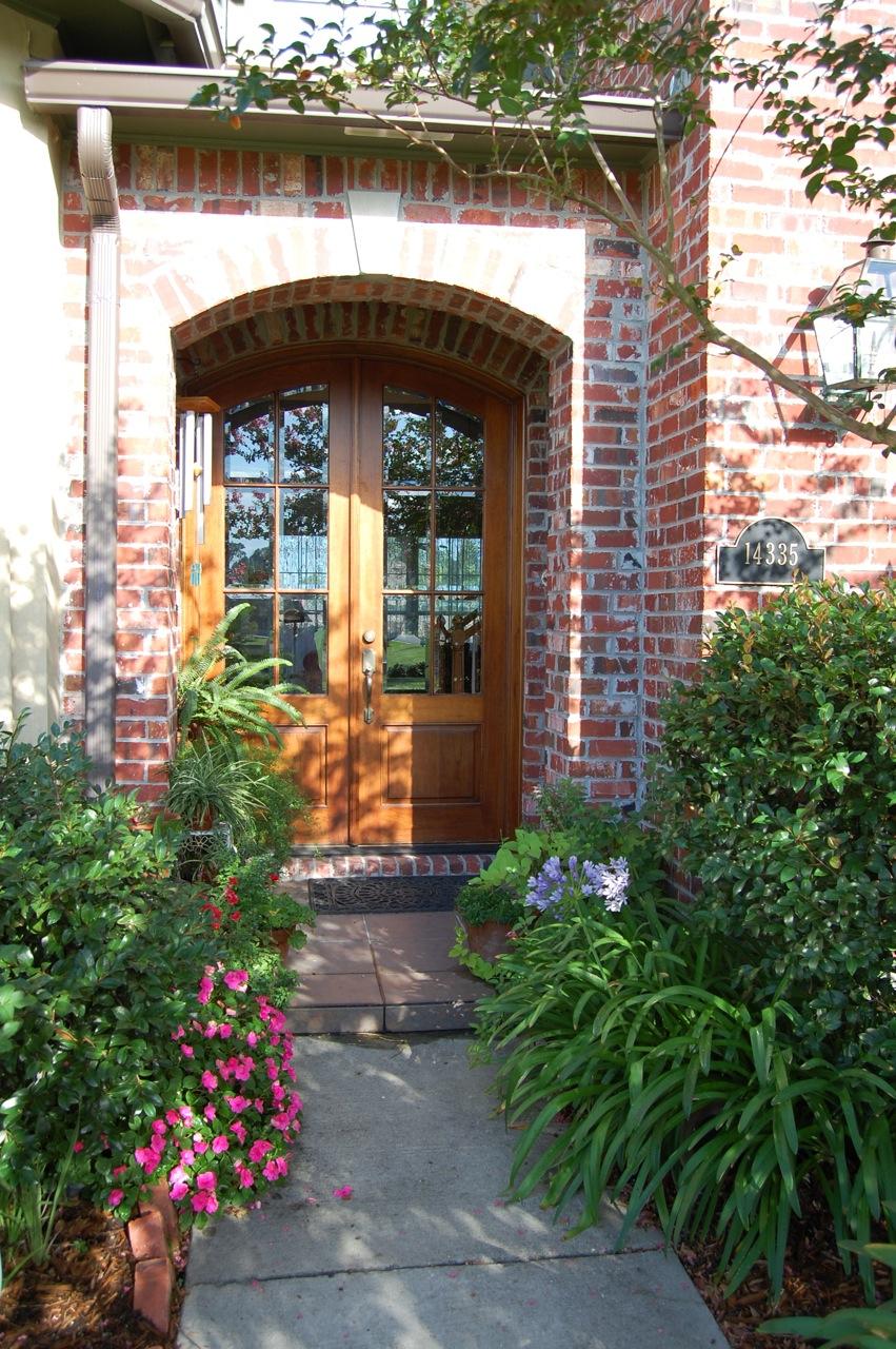 Jeannie's Fairy Rose Louisiana Garden: Front Door Garden