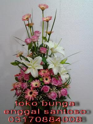 bunga meja (buket bunga meja)