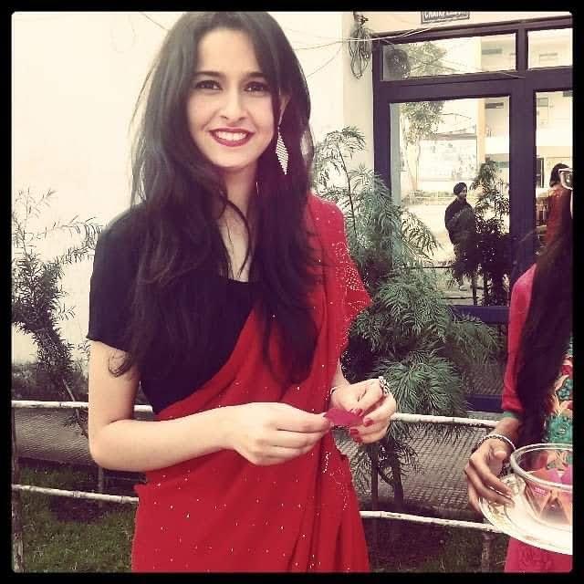 Sadia Khateeb 32