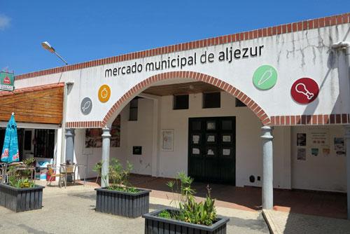 Mercado Municipal de Aljezur, Algarve, Portugal.