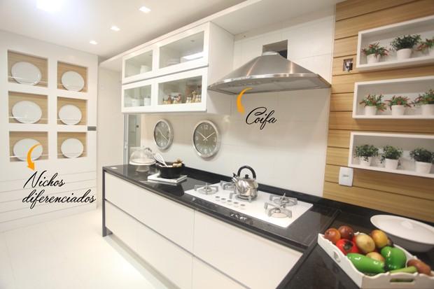 Consultoria de Decoração: Apê com cozinha/churrasqueira e banheiro