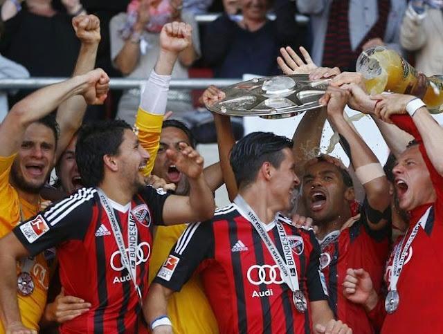 Jugadores del Ingolstadt festejando el ascenso a la Bundesliga