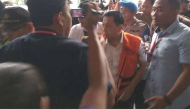 Ngaku Diare Padahal di Penjara Novanto Asyik Main Pingpong