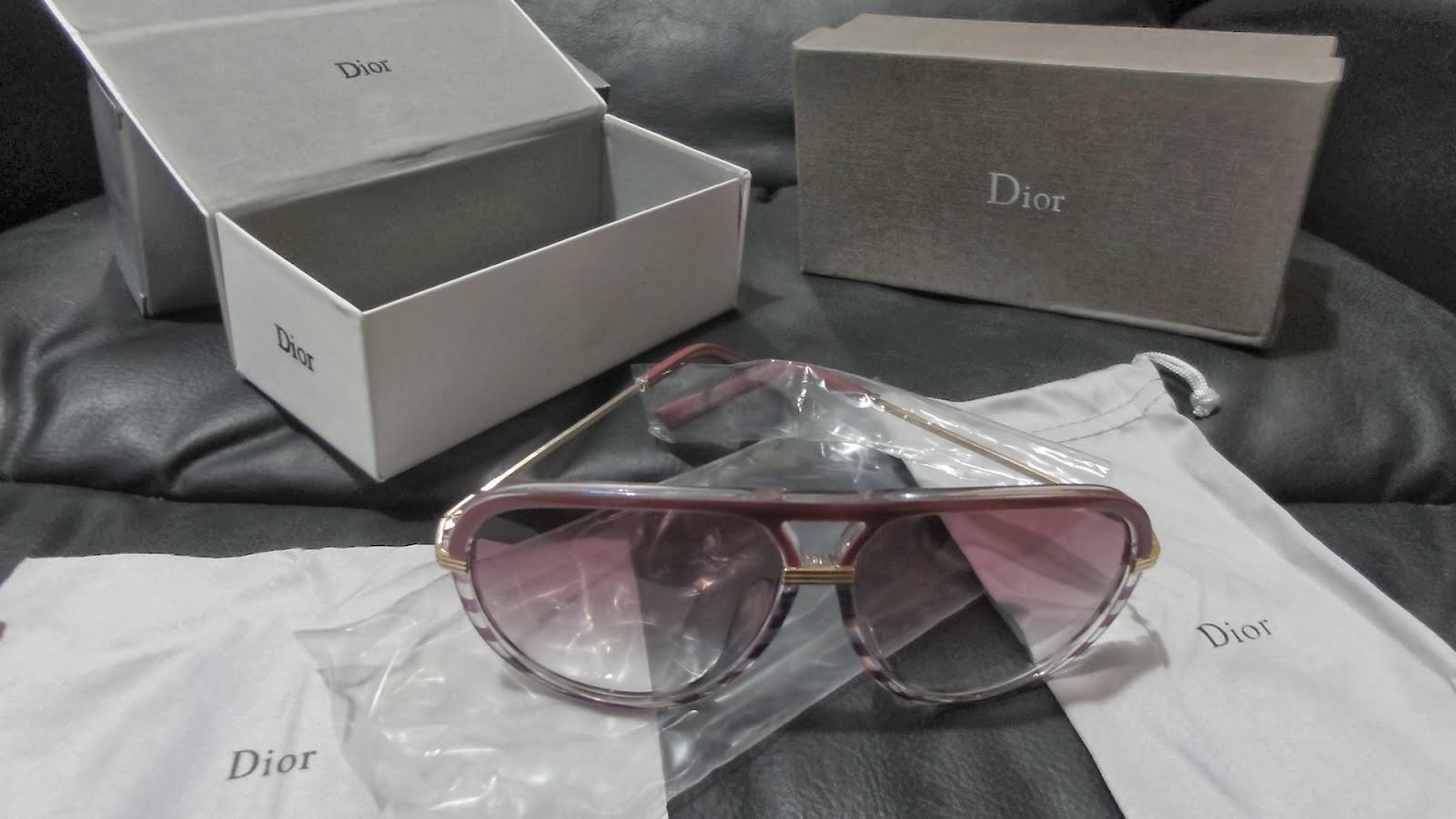 Os óculos vêm com vários acessórios. Quando os tirei do envelope de envio,  logo pensei, esses devem ser muito bom, pois eram pesados. 231aa7fd84