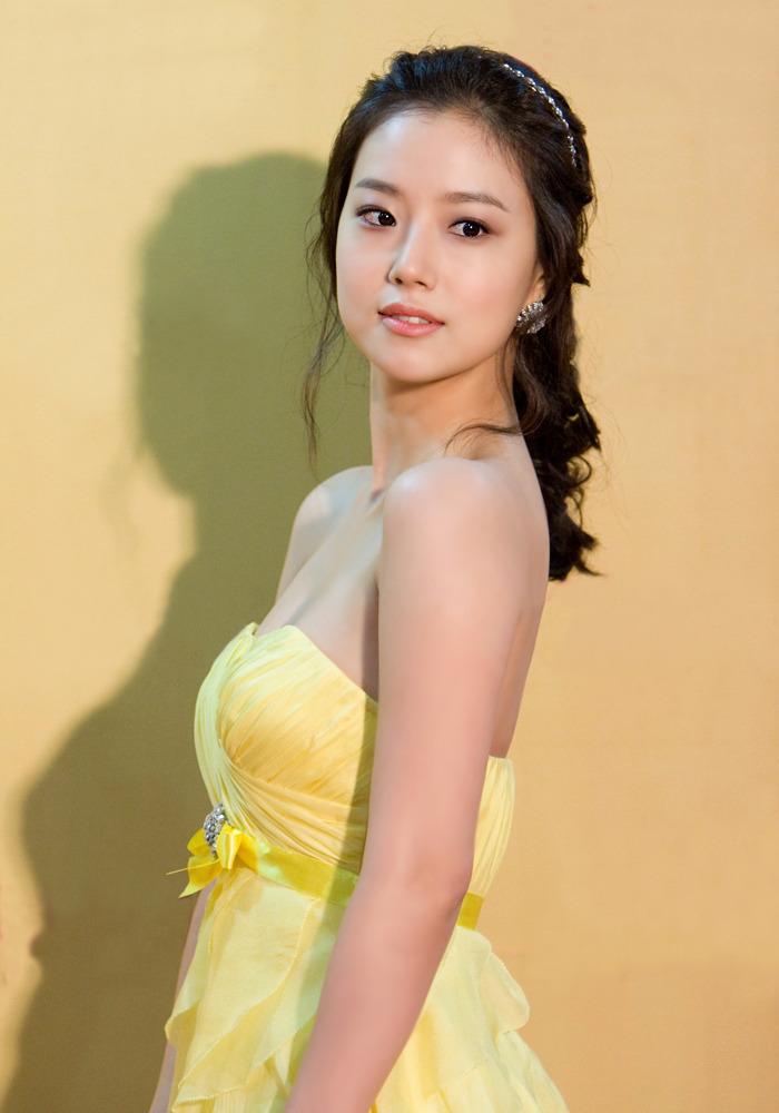 Moon Chae Won (문채원) - The 23rd Golden Disc Awards held on 10 December 2008