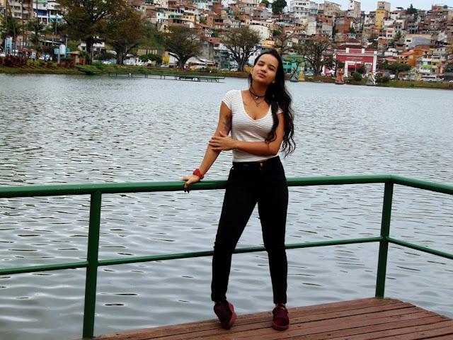 Janaína Noblah, campeã da 1ª Liga Nacional Feminina de MC's é a convidada do Projeto #Versando