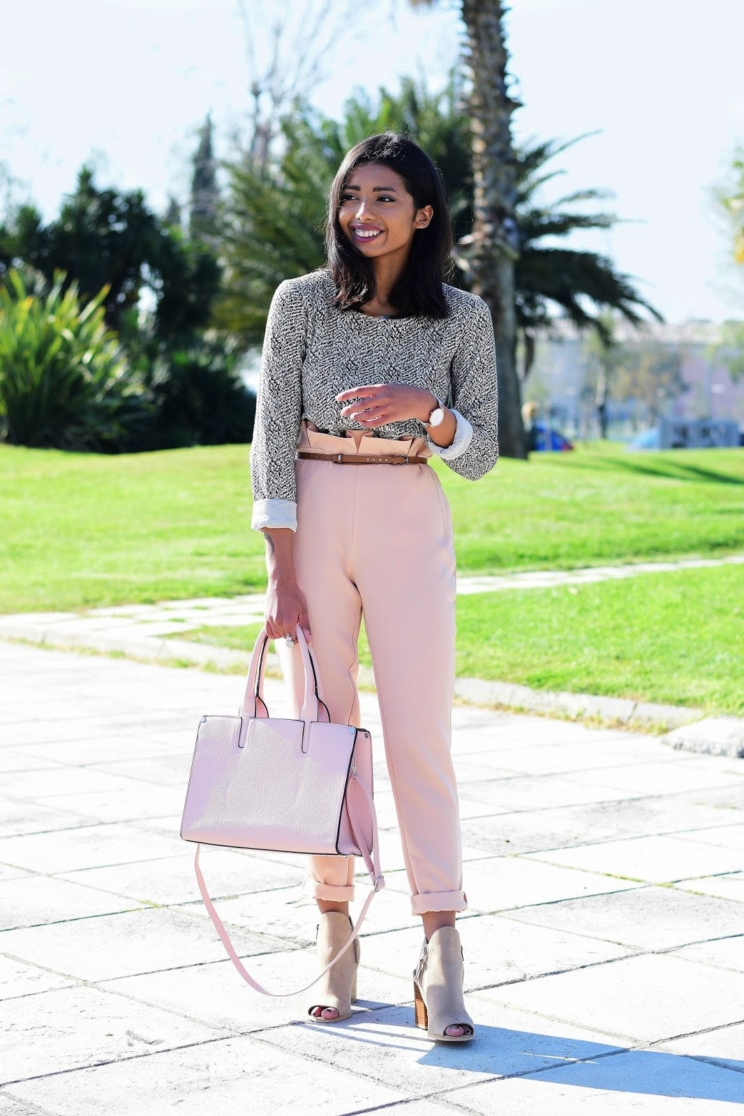 how to look chic in tailored trousers