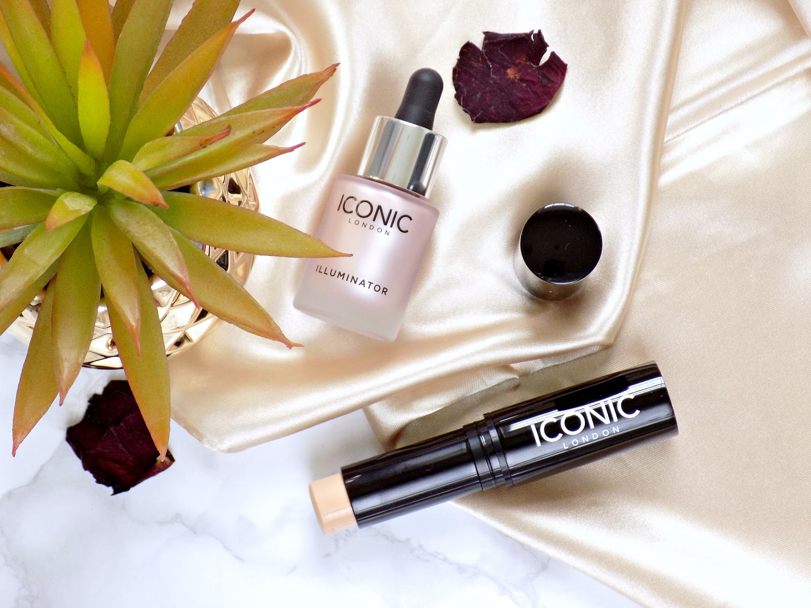 Iconic London Illuminator, Iconic London Pigment Foundation Stick
