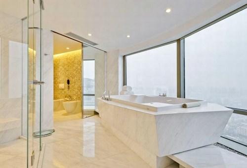 contoh kamar mandi hotel