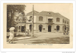 Old photo of Hue City