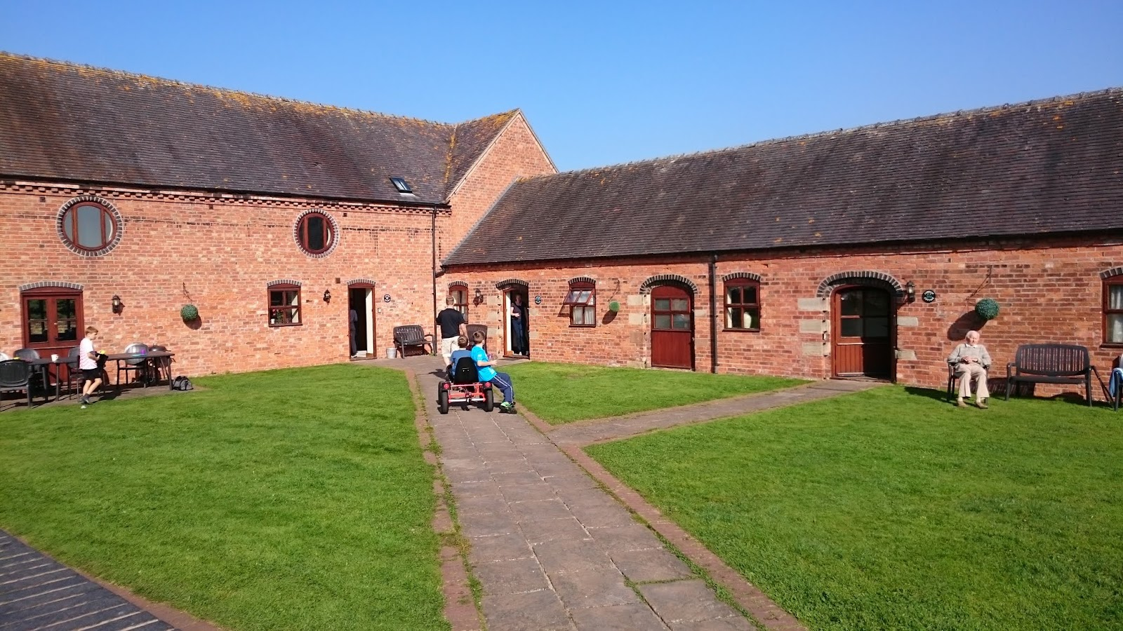 Layman's London: Oulton House Farm, Norbury, Stafford,Staffordshire