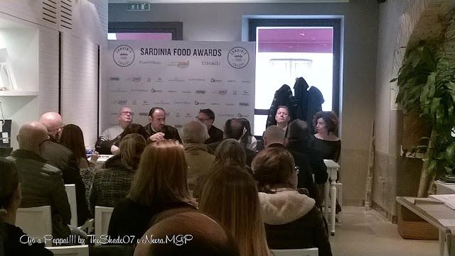 Immagine sulla conferenza stampa con gli organizzatori e gli sponsor del Sardinia Food Awards
