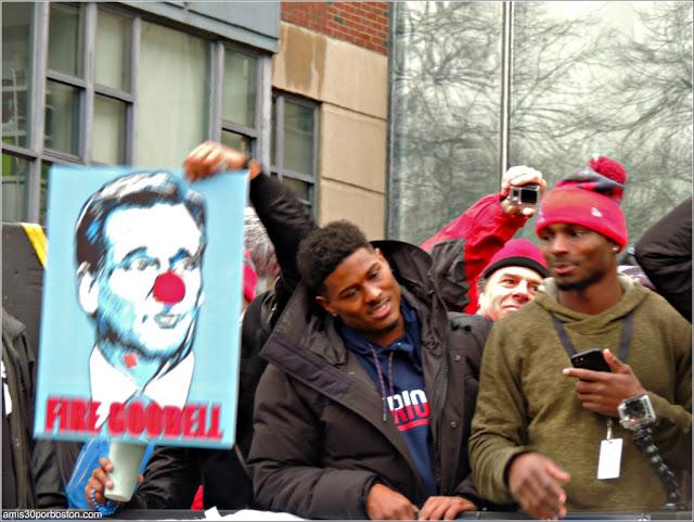 Desfile Celebración de la Super Bowl: Pancarta Fire Goodell