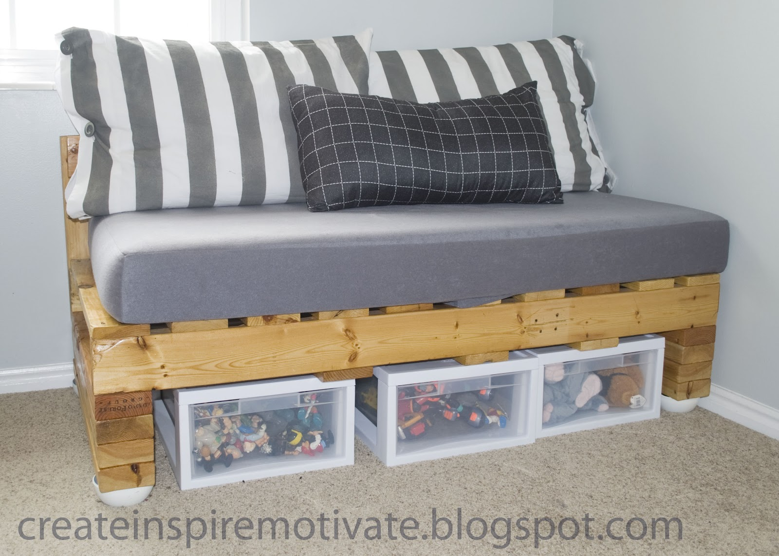 Diy Sofa From Pallets Fabric Washing Machine Loft Bed By Joanne S T A R D U Decor And Style