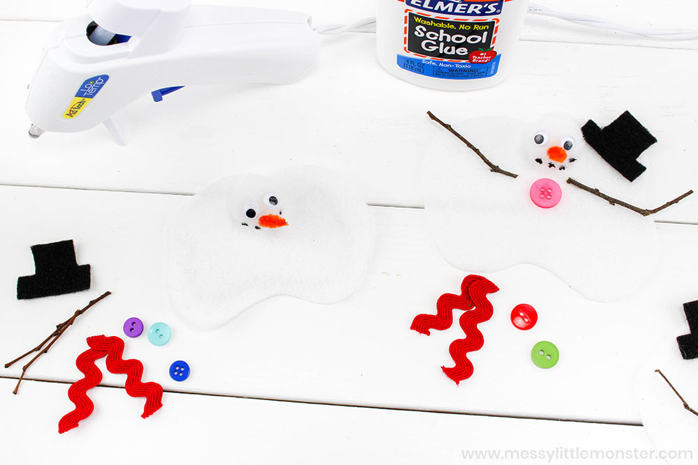Melting snowman craft for kids. Easy winter crafts for kids.