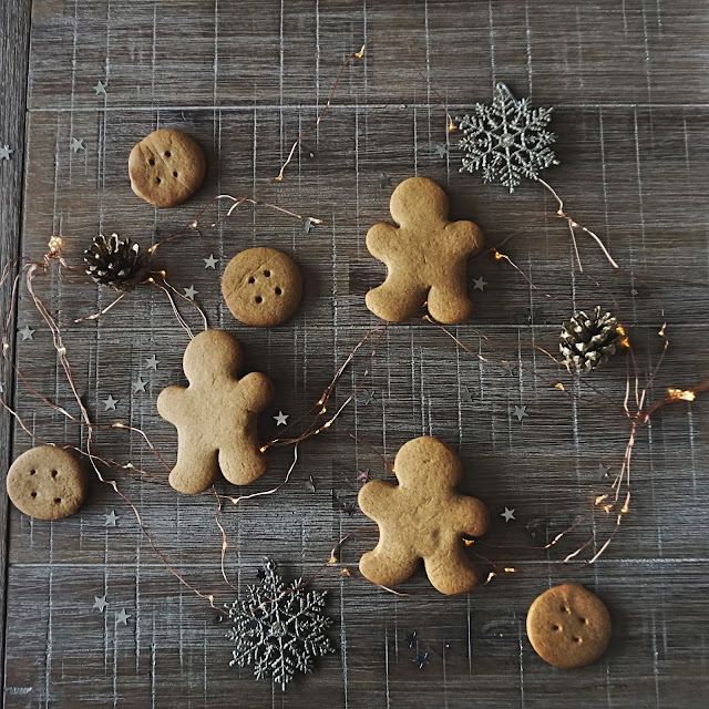 fadedwindmills.gingerbreadcookies.homemade.baking.easydiy.festive.christmas.lifestyle.slowliving.recipe.cosy.hygge