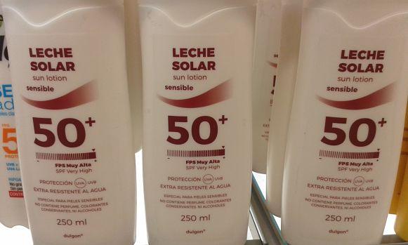 Leche protectora solar pieles sensibles Dulgon de Mercadona