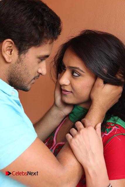 Manoj Nandam Smitika Acharya starring Ye Rojaithe Chusano Movie Stills  0001.jpg