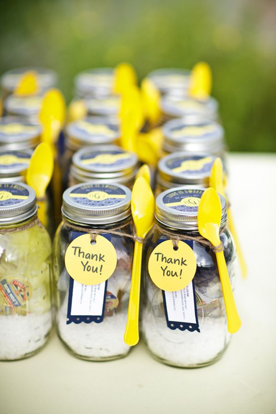 Mason Jar spring Wedding Favors