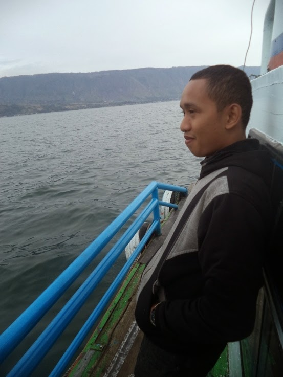 Satu Hari Berwisata di Pulau Samosir