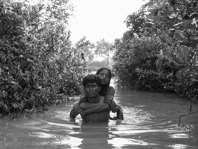 Rohingya po pas uciekają przed prześladowaniami