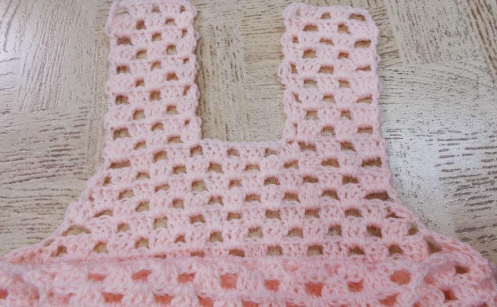 Sweet Nothings Crochet free crochet pattern blog, photo of yoke of dress,
