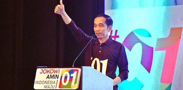 """Tiap Hari Jokowi Disuruh Bikin Salah Terus dan Jadi Corong Nakut-nakutin"""