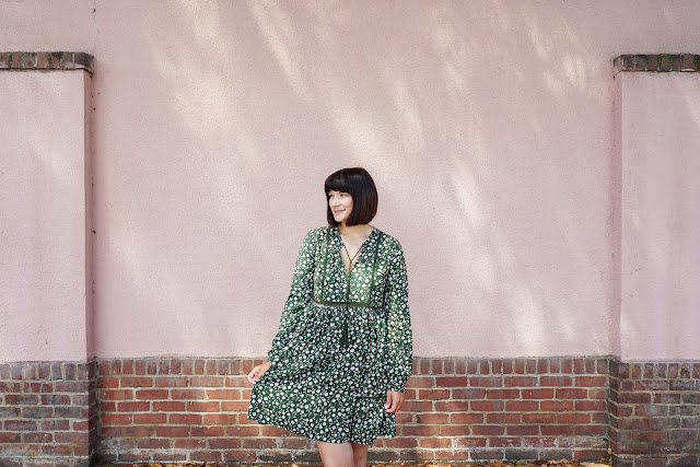 Summer dress, floral print, green, postpartum fashion, mom style, ootd, h&m, affordable dresses