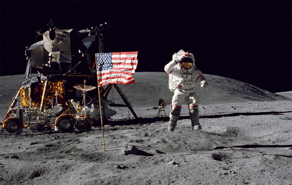 neil armstrong first astronaut on the moon - photo #15