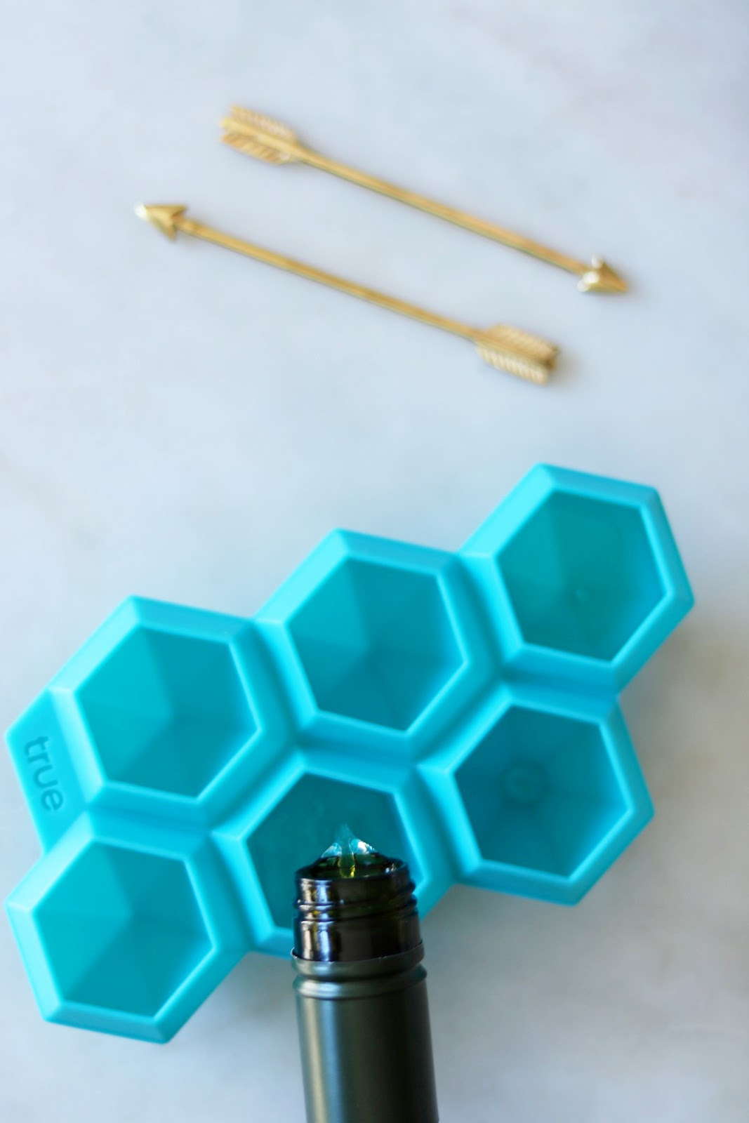 DIY diamond-shaped wine ice cubes using Kim Crawford Sauvignon Blanc.