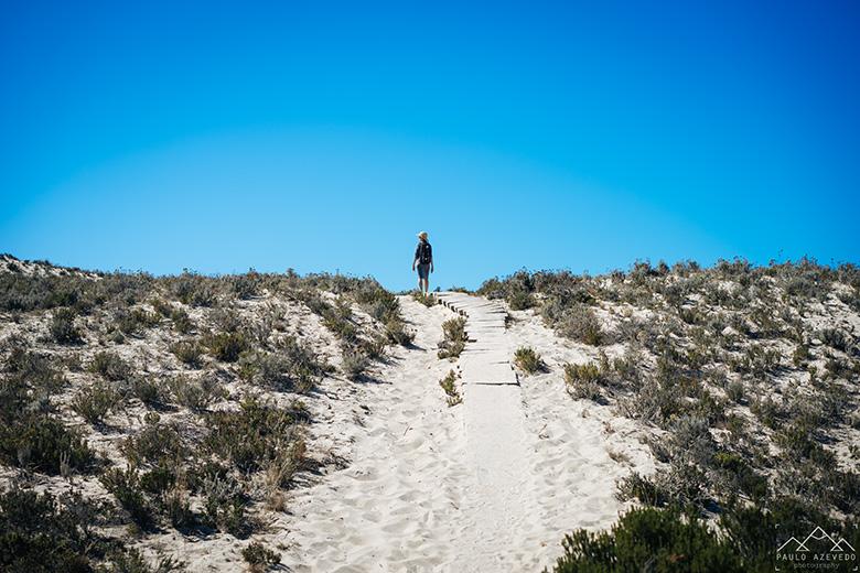 Passadiço até à praia de Brejos