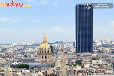 Toà nhà Tour Montparnasse cao sừng sững