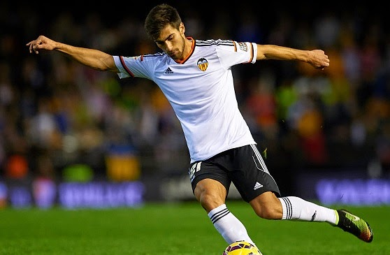Chelsea keen on Valencia midfielder Andre Gomes