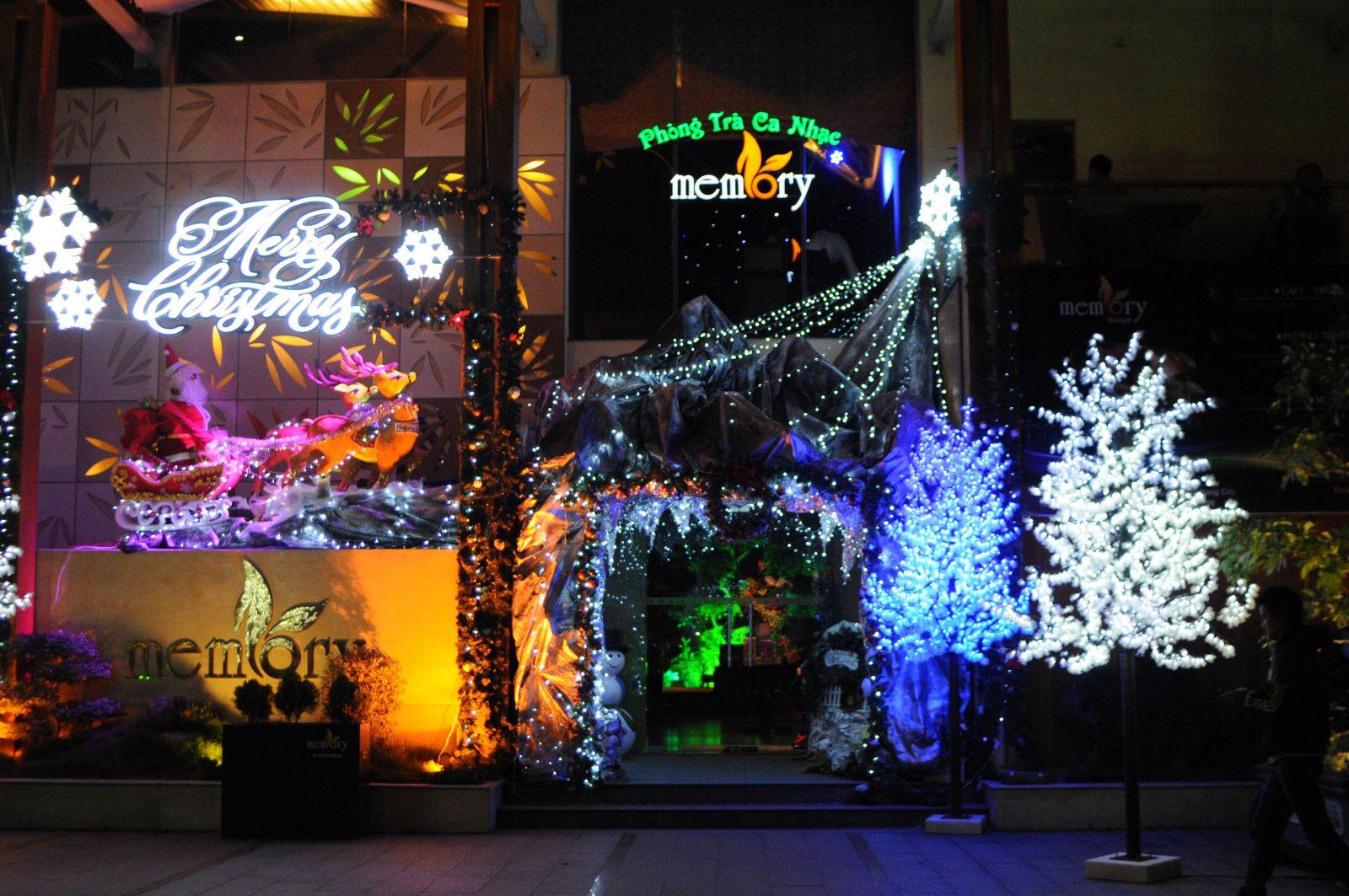 noel 2018 tphcm Đèn trang trí Noel và Dịch vụ trang trí Giáng sinh, Tết 2018 tại  noel 2018 tphcm