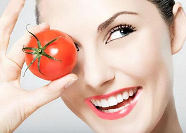 Cara membuat masker tomat untuk memutihkan wajah dan menghilangkan jerawat