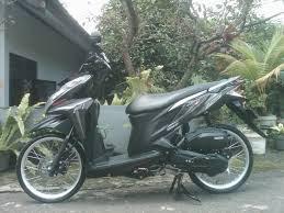Gambar Modifikasi Motor Honda Beat Hitam Velg 17