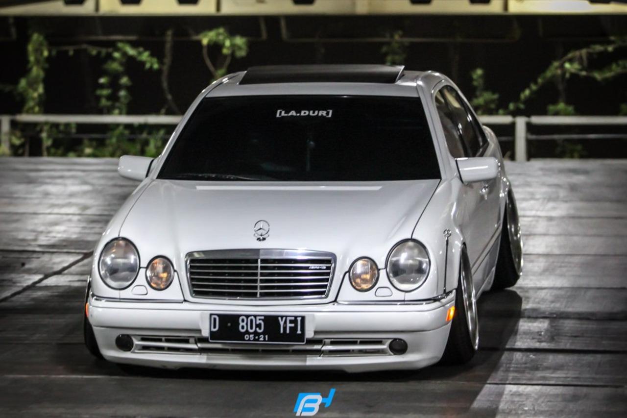 Mercedes benz w210 e320 stance benztuning for E320 mercedes benz